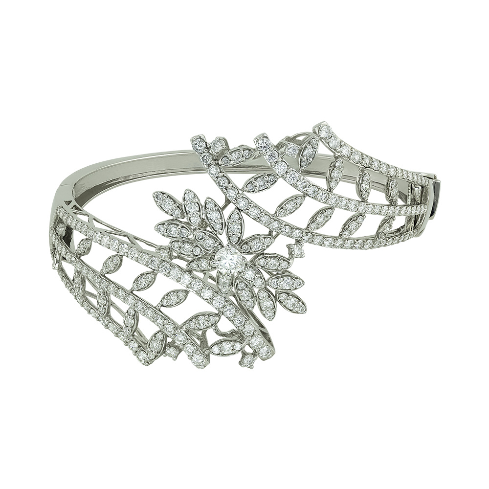 Diamond Wreath Gold Bangle