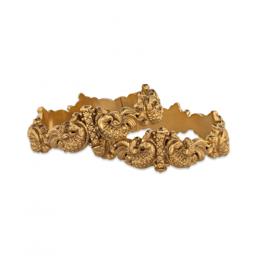 Pure Gold Peacock Detailed Bangle Bracelet
